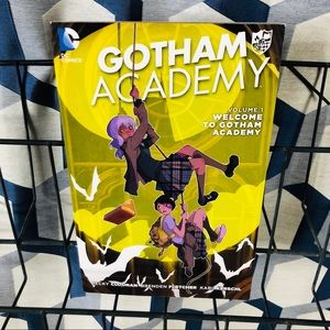 5 for $25| Welcome To Gotham Academy TPB